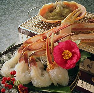 とり松の松葉ガニ花の咲いた刺身、蟹甲羅味噌炭火焼イメージ
